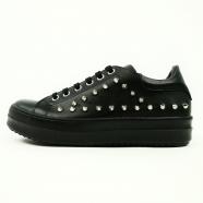 Sneaker noire clous noir