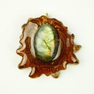 Pendentif résine pin fossilisée